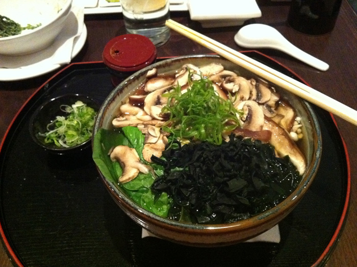 soba at momoya in nyc photo by linda sherman