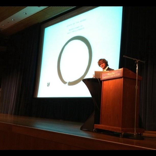 Matt Mullenweg Presentation Screen Shows His Name in Katakana